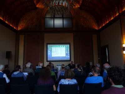 Diskussionsveranstaltung am 9. Septemeber ueber Rojava im Kreishaus Herford mit Publikum